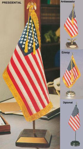 """Bennington 1776 Gold Fringe Flag 4/""""x6/"""" Desk Set Table Stick Black Base"""